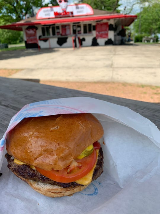 Cheeseburgers are on the menu at MooSa's, the new stand at North Point on the lakefront, off North Lincoln Memorial Drive. Besides burgers, it sell items like chicken wings, hummus, frozen custard and shakes at the former Northpoint Custard location.