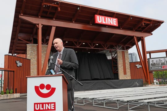 Brian Shenker, Uline vice president of customer development, speaks about the new stage.