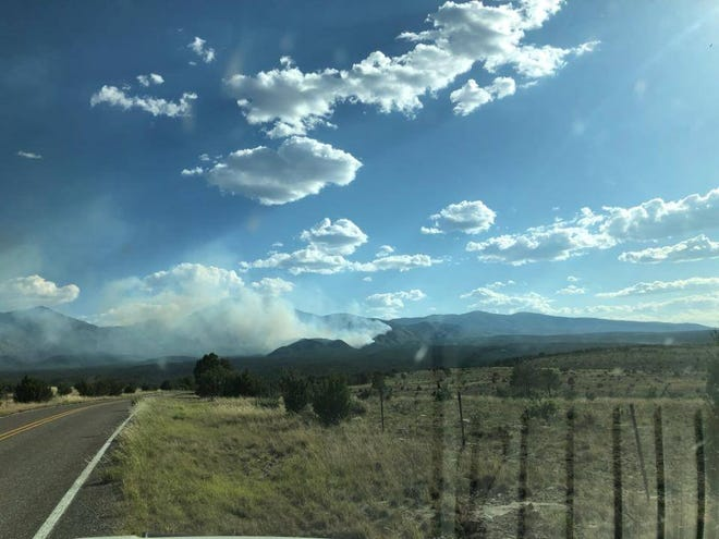 Pine Lodge Fire burns in the Lincoln National Forest Smokey Bear District.