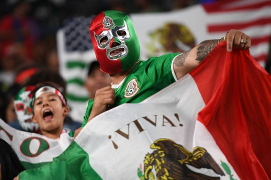 La fanaticada mexicana no dejó de apoyar a su equipo.