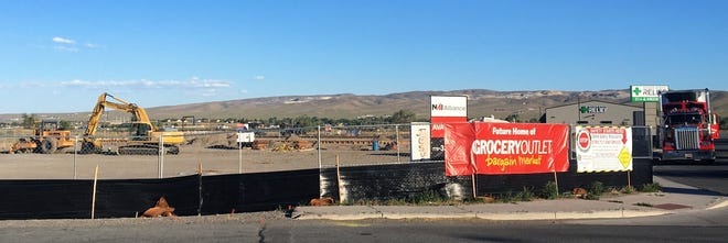 A Grocery Outlet is under construction on Chisholm Trail in Fernley.