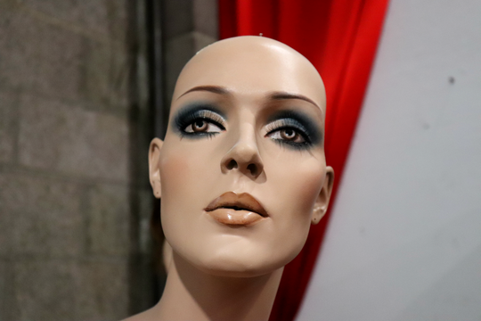 Las Vegas Mannequins features inanimate characters of all shapes, sizes and moods.