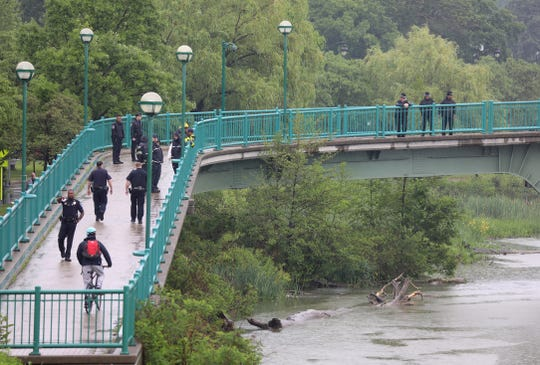 Authorities investigating body in Genesee River near UR campus