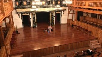 Why did American Shakespeare Center's Blackfriars Playhouse run dark?