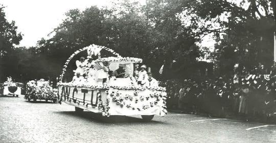 Tallahassee Centeninial Celebration Patriotic Parade Nov. 11, 1924.