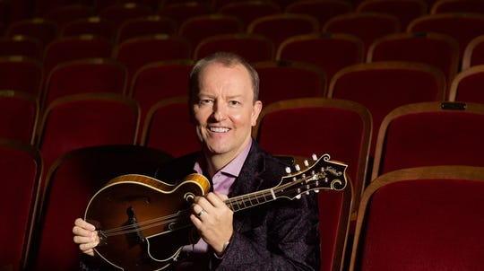 Mandolinist-composer Jeff Midkiff joins the Carpe Diem String Quartet for a trio of Concerts in the Barn July 5-7.