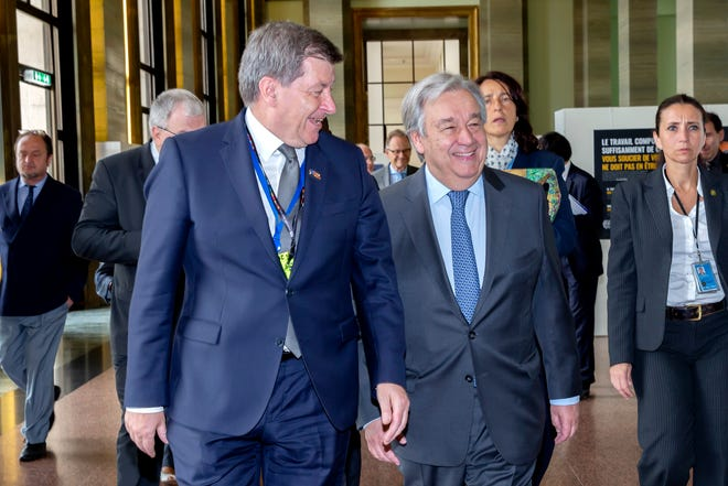 Guy Ryder, Director General of the International Labour Organisation, left, and United Nations Secretary-General Antonio Guterres, right.