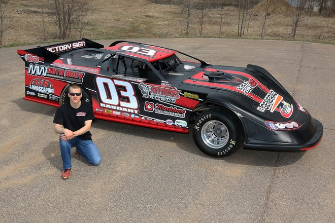 Third-generation racer Kyle Raddant of Shawano is slowly working the learning curve as a rookie in the late model division at Shawano Speedway and on the Dirt Kings Tour.