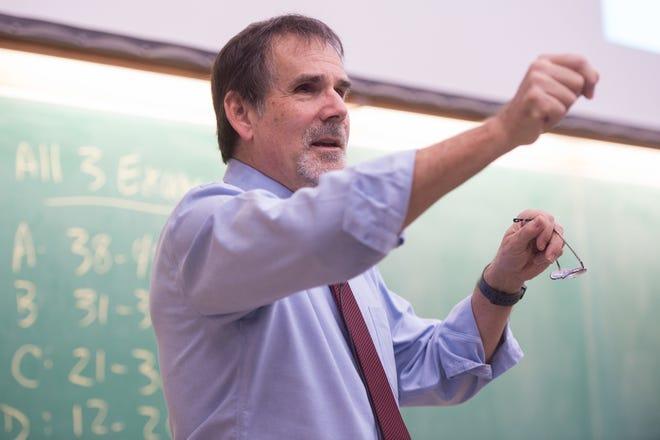 Craig Kletzing teaches College Physics I in Van Allen Hall.