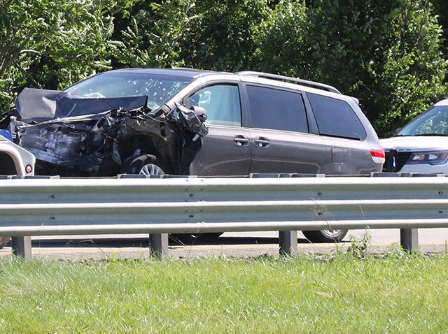 Two people seriously injured in Route 80 Mount Arlington NJ crash