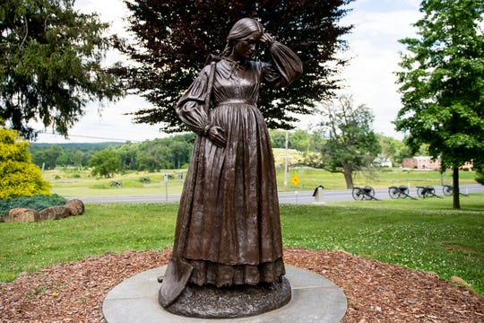 When Peter Thorn joined the 138th Pennsylvania Infantry, his wife, Elizabeth, assumed his duties in the Evergreen Cemetery from 1862-1865. While six months pregnant, she buried 91 soldiers with the help of her elderly father in the weeks following the Battle of Gettysburg.