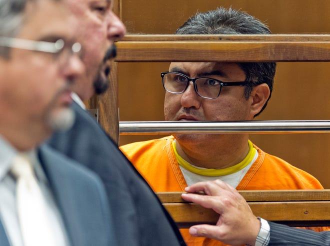 Naason Joaquín García, líder de la Luz del Mundo, permanece detenido.