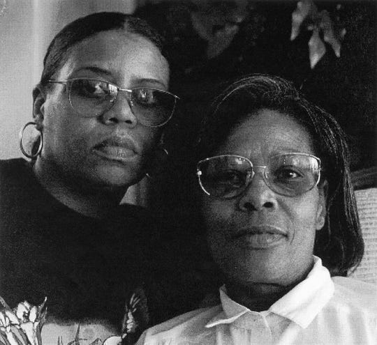 Sisters Gladys Oden, left, and Hattie Dickson. Bill Kalina photo