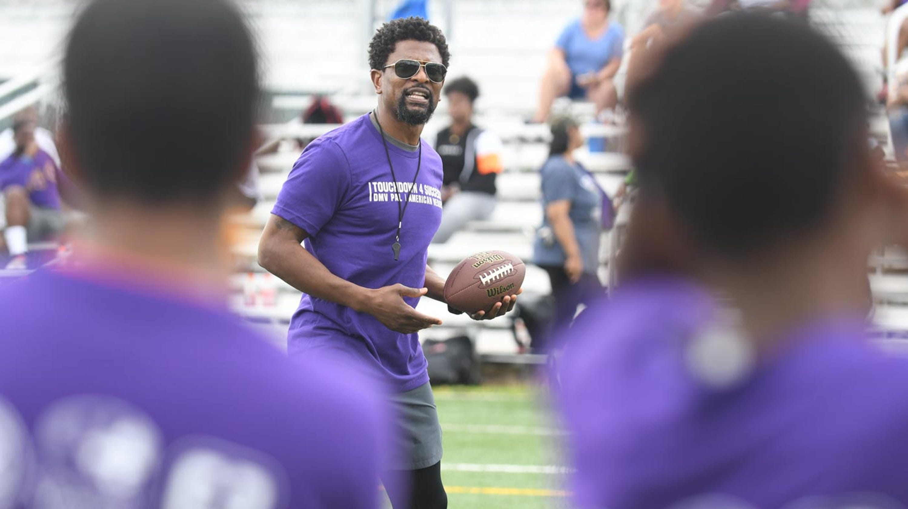 2a49b876 Former NFL players help bridge gap between youth and police