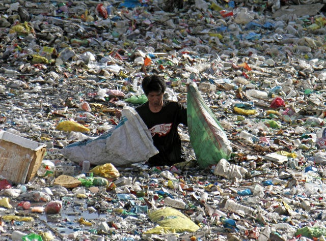 Ocean pollution: Your small business can right the ship, one plastic bag at a time