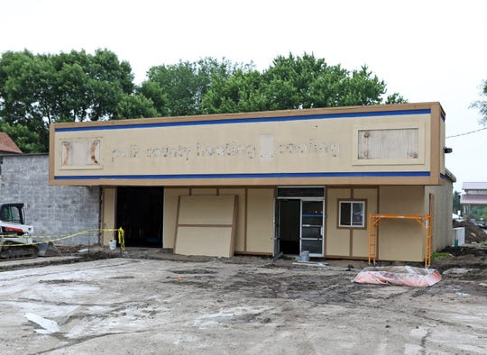 Pig n' Pedal, which is a new bicycle-themed restaurant and bar, is being constructed at 710 SW Third St and will be open soon in Ankeny's Uptown district and will look to appeal to those cyclists using the High Trestle Trail next door.