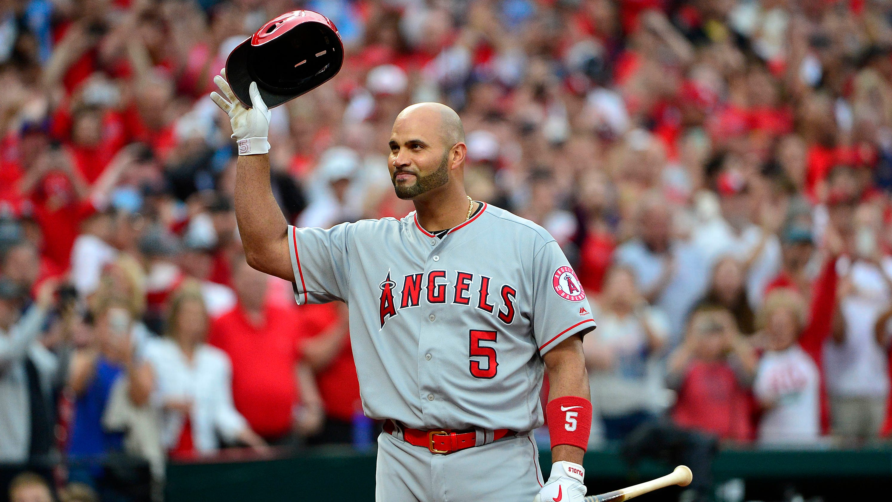premium selection aa8d1 9a252 Albert Pujols makes emotional return to St. Louis