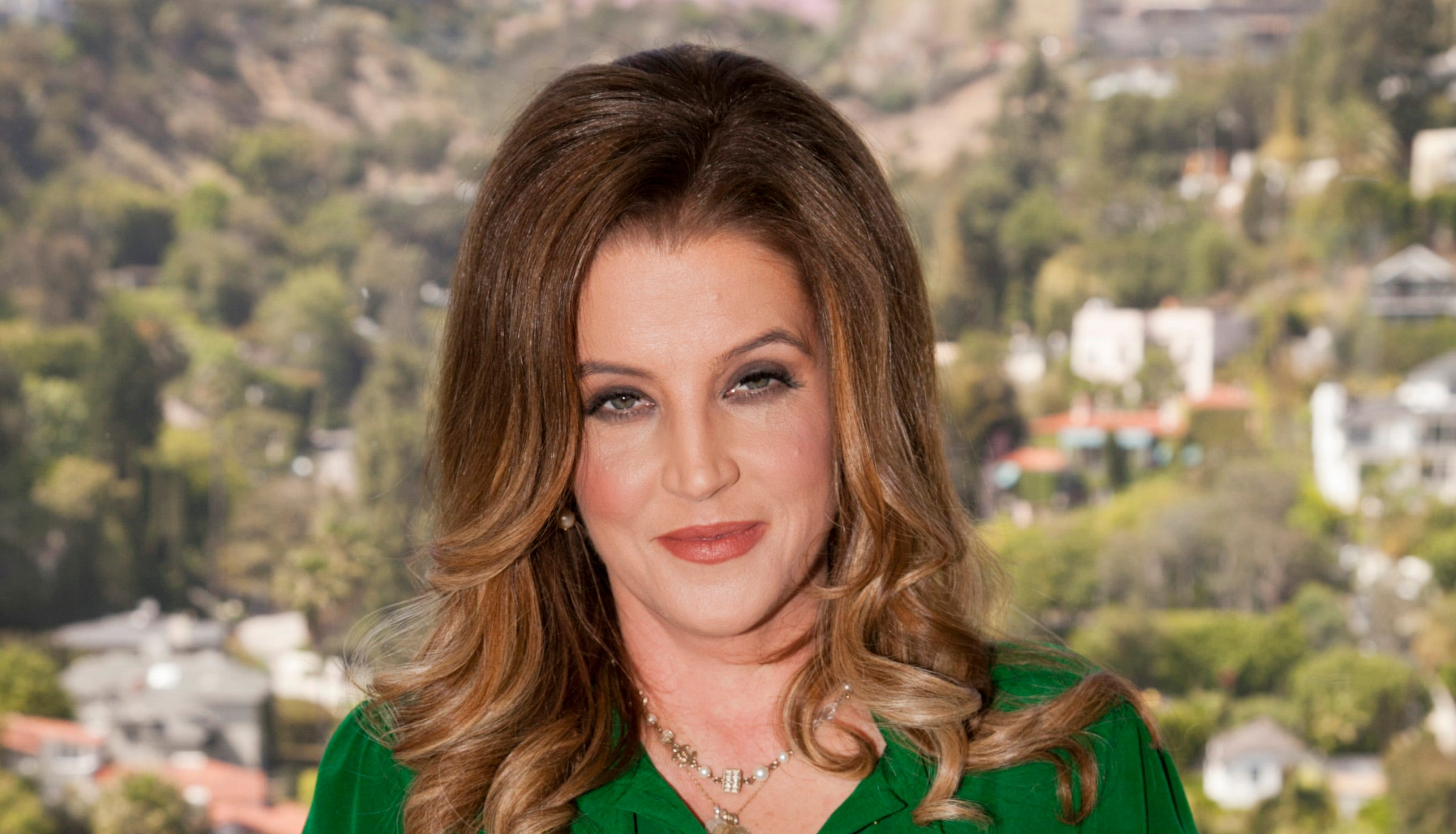 Lisa Marie Presley S Son Benjamin Looks Like Elvis Twin In Photo