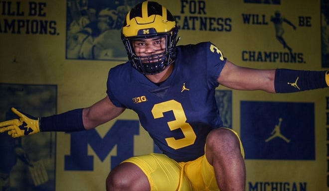 Jordan Morant, a four-star safety from Oradell (N.J.) Bergen Catholic, committed to Michigan on Sunday.