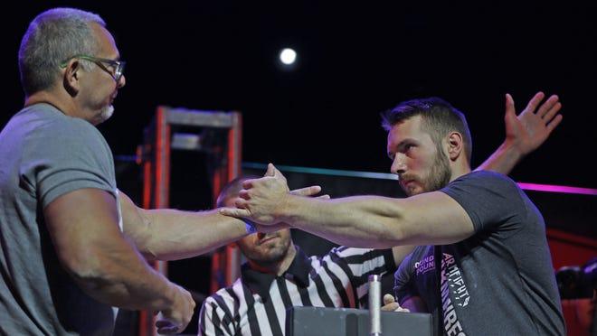 Arm Wrestlers Compete At Arizona Arm Wrestling Championship