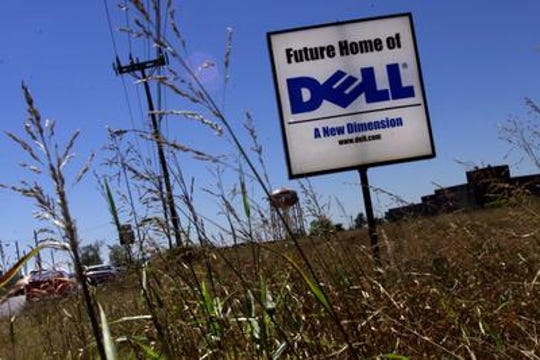 A sign along Donelson Pike in 1999 announced the future home of Dell.