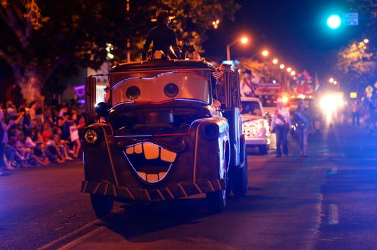 Entries are being sought for the annual Farmington Rotary Electric Light Parade on July 4.