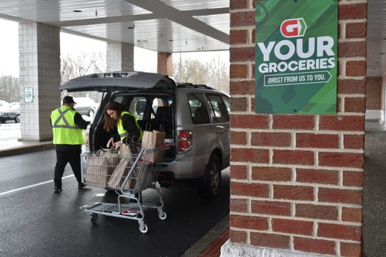 Giant Food Stores now offers pickup of groceries at many of its locations.