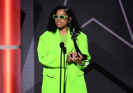 Ella Mai accepts the Coca-Cola Viewers' Choice Award for 'Trip' at the 2019 BET Awards.