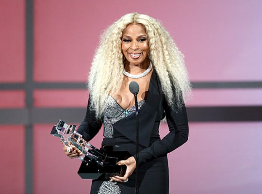 LOS ANGELES, CALIFORNIA - JUNE 23: Mary J. Blige accepts the Lifetime Achievement Award onstage at the 2019 BET Awards at Microsoft Theater on June 23, 2019 in Los Angeles, California. (Photo by Frederick M. Brown/Getty Images for BET) ORG XMIT: 775359764 ORIG FILE ID: 1157881714