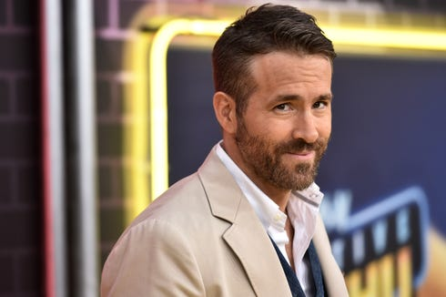 Ryan Reynolds has taken time from his busy schedule of movie premiere to leave a fake review for his own gin on Amazon. Or is it false?
