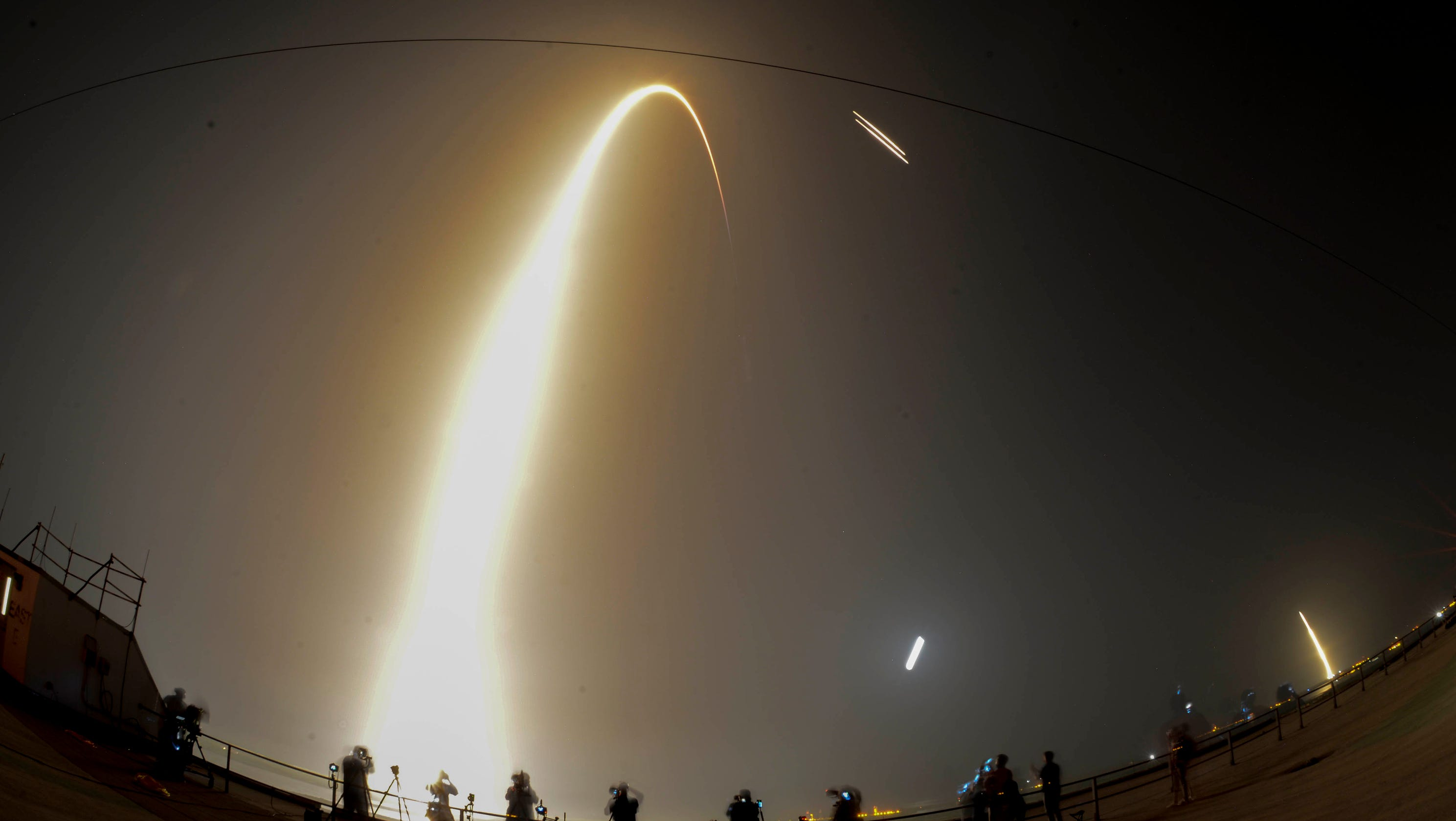 Pictures of SpaceX Falcon Heavy rocket launch at Kennedy Space Center