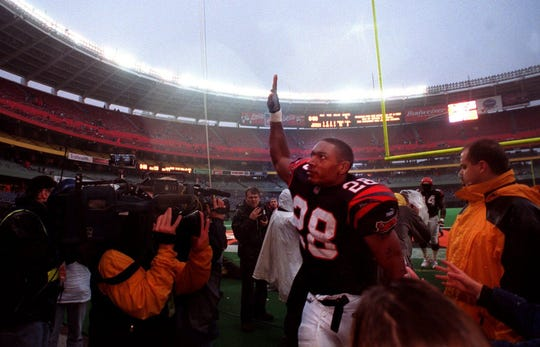 Bengals' running back Coey Dillon, 28, waves to the fans as he leaves Cinergy Field for the last time following the Bengals' win over the Cleveland Browns.