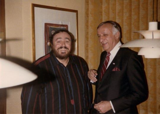 Luciano Pavarotti in 1988 with friend and Detroiter Frank Stella.