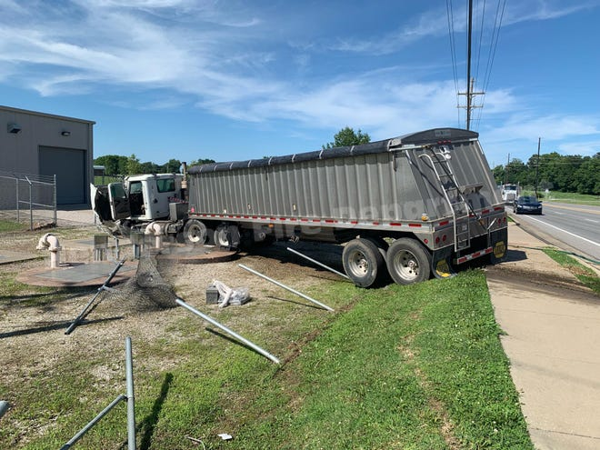Wreck closed U.S. 60 near Borax Drive.