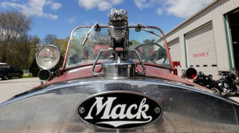 Manitowoc Fire Department brings 1935 Mack fire engine to life.