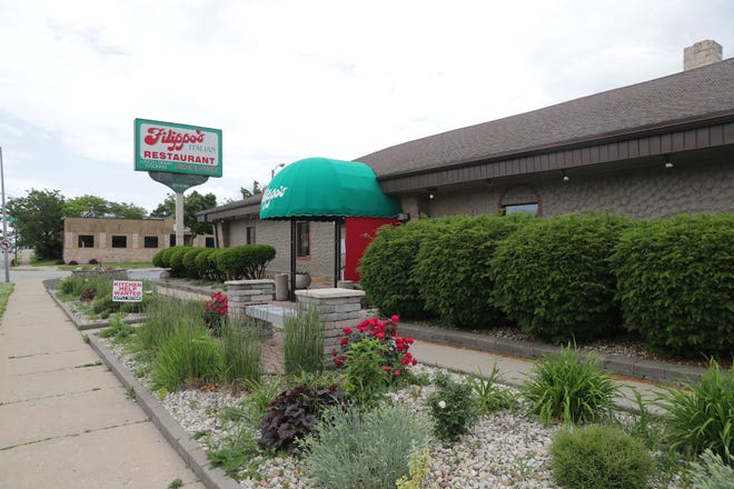 The building at 6915 W. Lincoln Ave. in West Allis received a stucco exterior and an awning when it became Filippo's Italian Restaurant in 1984. The restaurant's first location was at South 76th and West Becher streets.