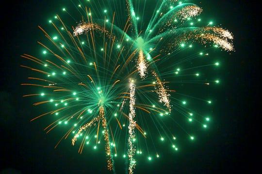 Ridgewood Independence Day fireworks at Veteran's Field Ridgewood. 07/4/2018