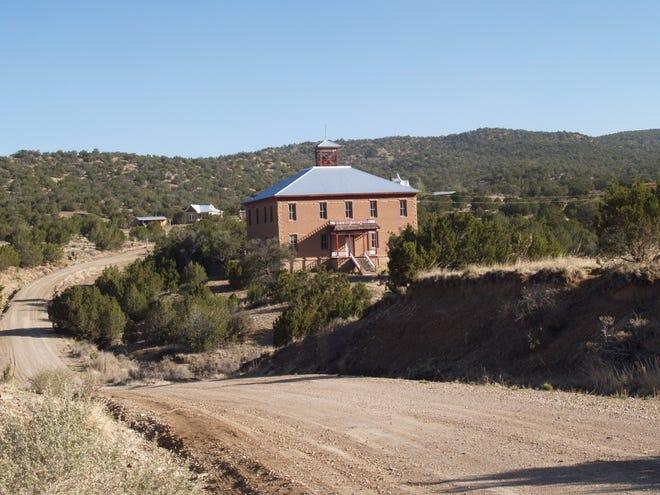 White Oaks' Schoolhouse.