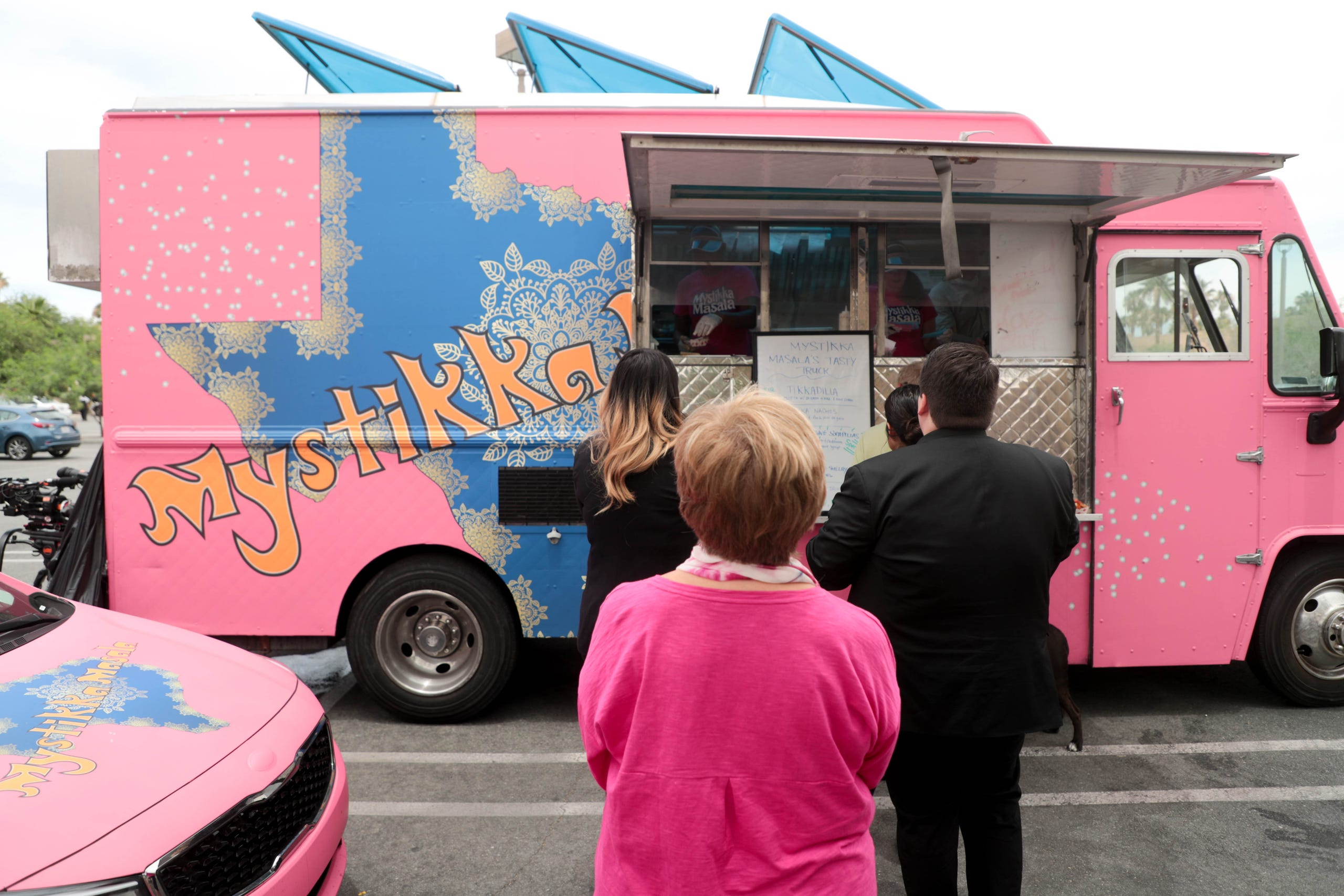 Photos: The Great Food Truck Race visits Palm Springs