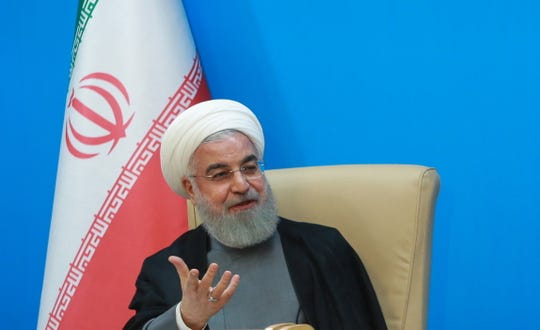 Ein vom Präsidialamt zur Verfügung gestelltes Handzettelfoto zeigt den iranischen Präsidenten Hassan Rouhani während eines Treffens mit Vertretern des Gesundheitsministeriums in Teheran, Iran, am 25. Juni 2019.
