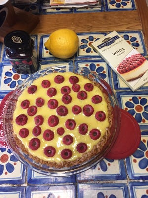 Gloria takes the week off and Amish365 editor fills in, shareing some recent Amish bake-off winning recipes including one for raspberry-key lime pie.