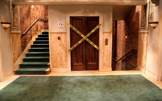 """Big Bang Theory"" elevator set."