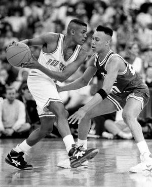 1992. gada štata finālā Billiju Raitu sargā Džefersvilas šervins Vilkersons, kurš vēlāk spēlēs Boba Naita komandā Indiānas universitātē.