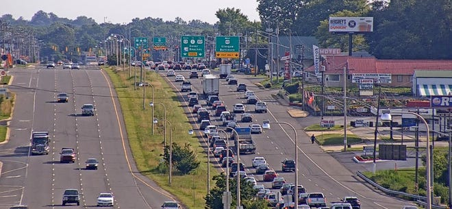 A tractor-trailer has stalled in the second lane to the left on U.S. 13 before U.S. 40. Traffic has slowed significantly in the area, DelDOT reports.