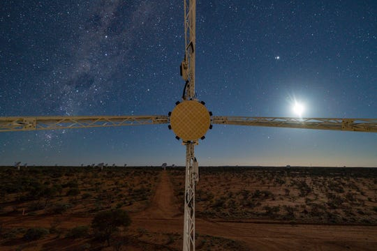 A view from the Australian radio telescope that discovered the new fast radio burst. The Southern Cross is at the left and the moon is at the right.