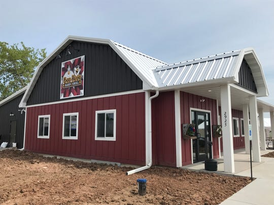 Bee Hive Barn & Grill in Vinland.