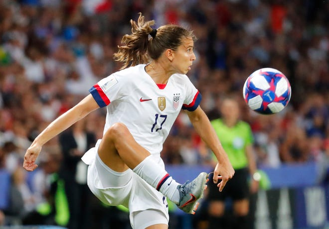 United States forward Tobin Heath (17) controls the ball against France in the second half of a quarterfinal match in the FIFA Women's World Cup France 2019 at Parc des Princes.