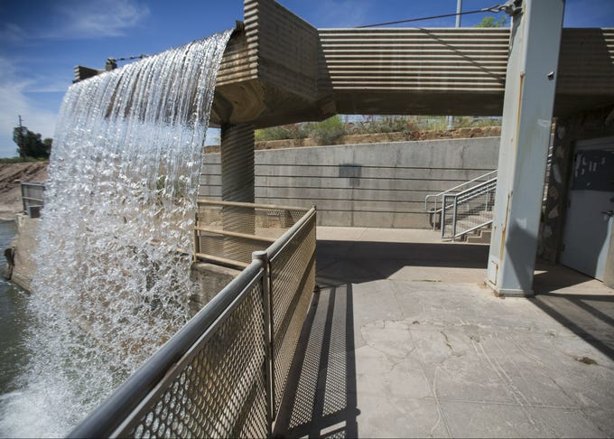 Arizona Falls is a natural, 20-foot drop on the Arizona Canal between 56th and 58 streets in Phoenix. In 2003, the restored WaterWorks hydroelectric plant reopened. It provides enough electricity to power 150 homes and the falls are again attracting visitors.