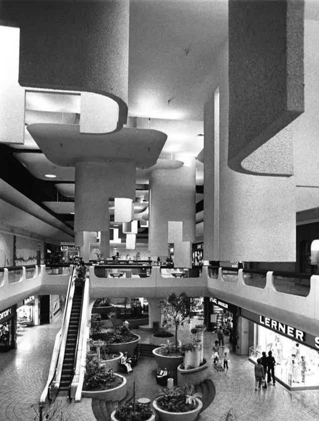 Metrocenter Mall In Phoenix To Close Due To Covid 19