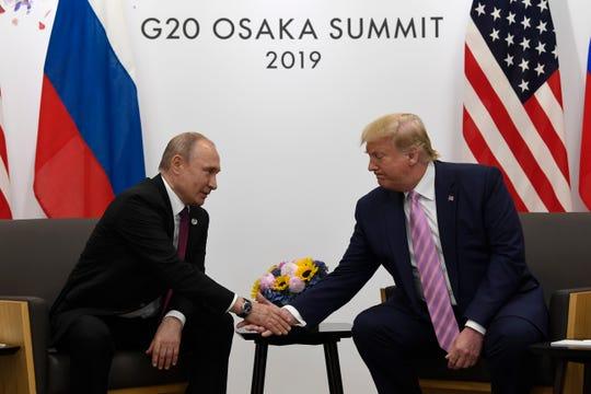 Los presidentes Vladimir Putin de Rusia y Donald Trump de EEUU se ven las caras en la Cumbre G-20 en Japón.